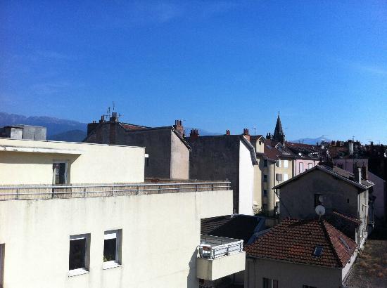 Hipark Grenoble : View from front door balcony on 4th floor