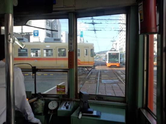 Matsuyama, Japan: 平面交差の模様