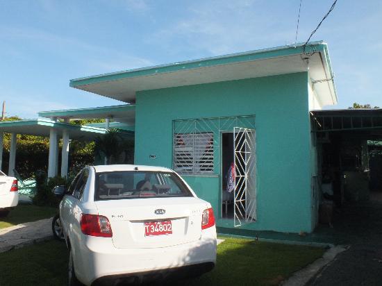 Casa Jorge y Alicia: Vista de la puerta de la habitación