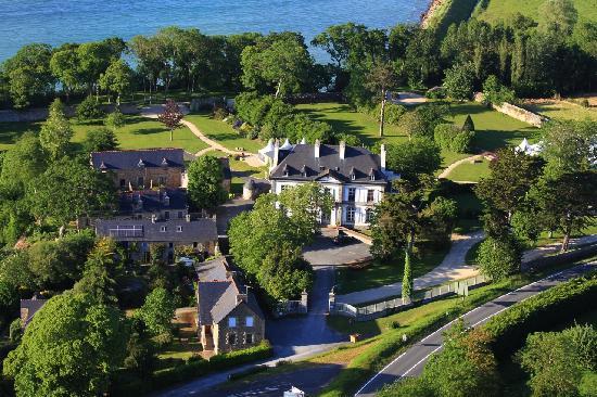 Chateau De Beaussais: Vue aérienne