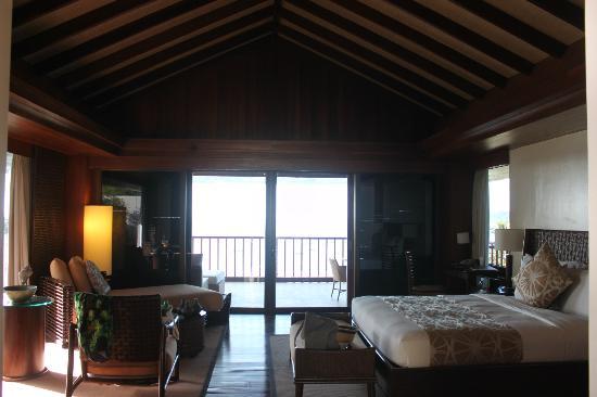 Asya Premier Suites: room bigger than normal houses