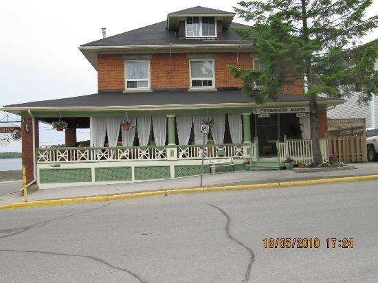 Stonewater Manor Bed and Breakfast: Stonewater Manor