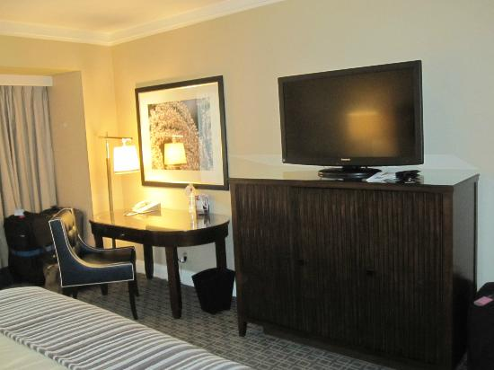 Omni Los Angeles at California Plaza: Room 1629