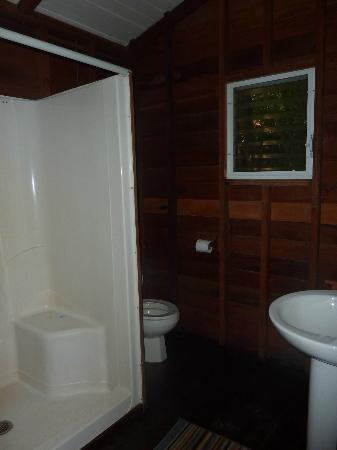 Jungle Jeanie's by the Sea : Sea Chalet Bathroom