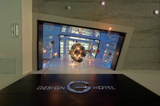 G Design Hotel: View from the reception. 40 meters of a chandelier with Swarovski crystals