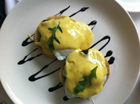The Robertson Small Hotel: Breakfast - poached eggs