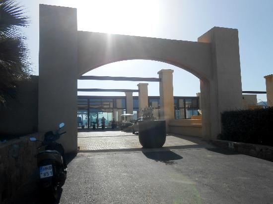 Sea Side Resort & Spa: Entrance