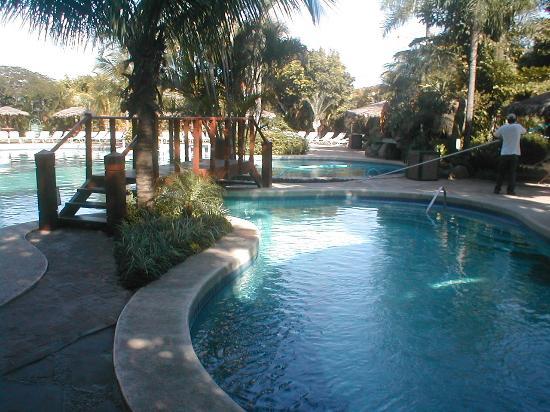 Camino Real Hotel: piscina