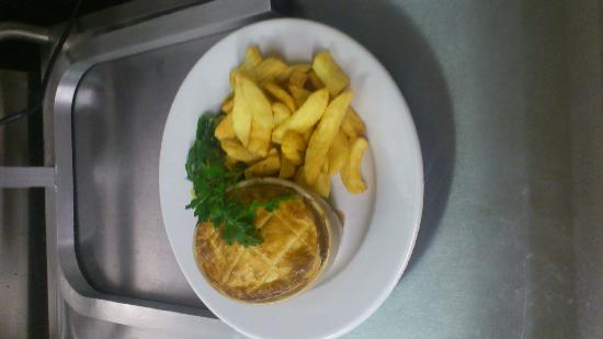 The Ford Inn: steak and ale pie