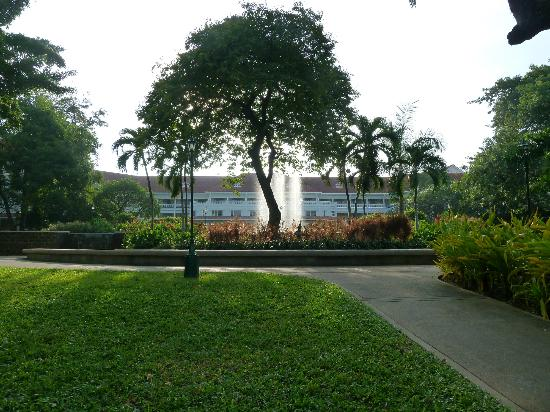 Centara Grand Beach Resort & Villas Hua Hin: water feature