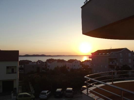 Villa Gravic: Sunset on balcony