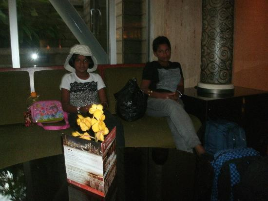 โรงแรมเพนนินซูล่า เอ็กเซลซิเออร์: Lobby