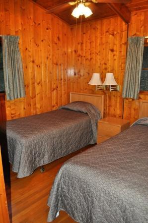 Tygart Lake State Park: Tygart Lake_Cabin 3_Bedroom 2