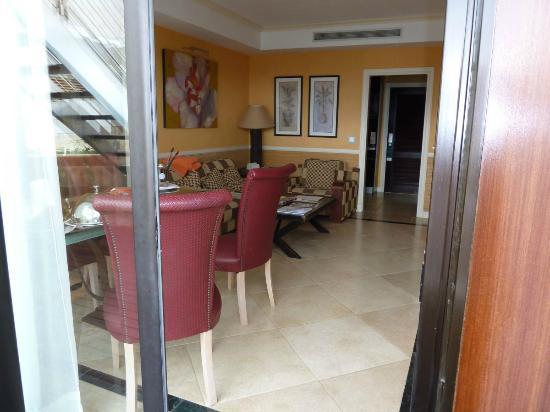 Gran Hotel Guadalpin Banus: Lounge Diner Junior Suite with Jacuzzi room 403