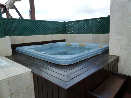 Gran Hotel Guadalpin Banus: Jacuzzi on Roof Terrace Junior Suite with Jacuzzi room 403