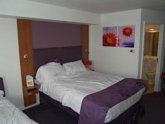 Premier Inn London Beckton Hotel: bedroom 