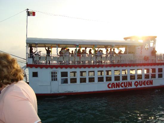 Occidental Costa Cancun: boat cruise