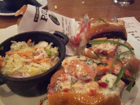 lobster roll - Picture of Todd English P.U.B., Las Vegas - TripAdvisor