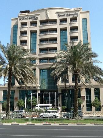 Coral Dubai Deira Hotel: front of the hotel