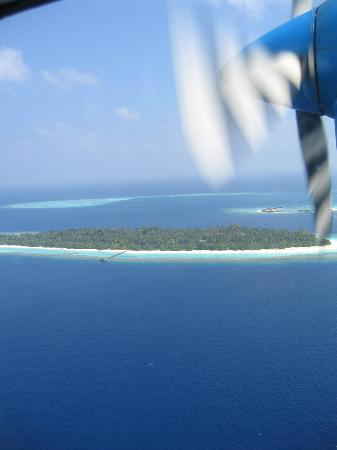 Soneva Fushi : The Maldives from the air