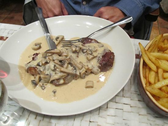 La Sousta: Food