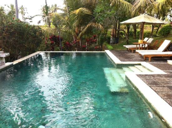 Bhanuswari Resort & Spa: Piscina pequeña