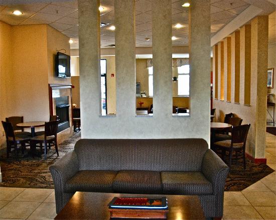 Comfort Inn University: Lobby