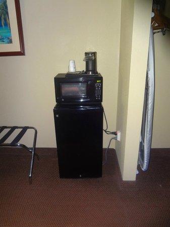 Best Western Apalach Inn: fridge/microwave - THANK YOU!