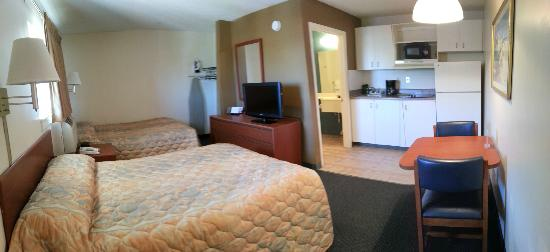 Suburban Extended Stay Hotel of Biloxi - D'Iberville: Full Room View 2 Full Beds