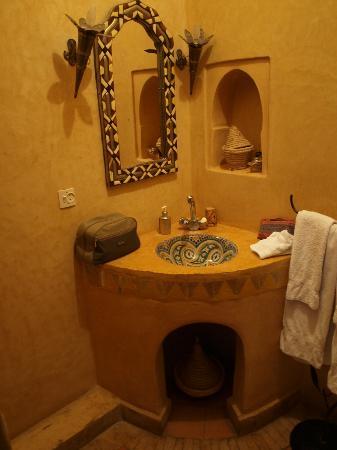 Riad Aguerzame: Salle de bains