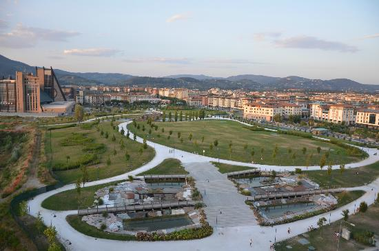 Starhotels Tuscany: The view to the park