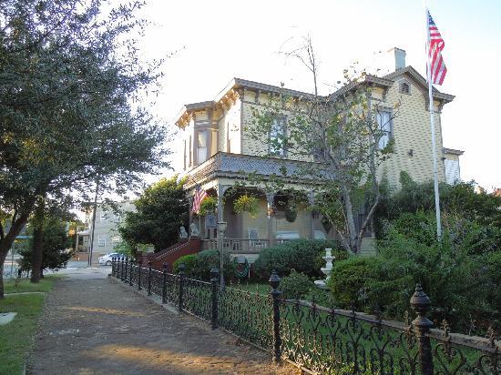 إقامة وإفطار بفندق روسيلز جاردين: Roussell'd Garden B & B 