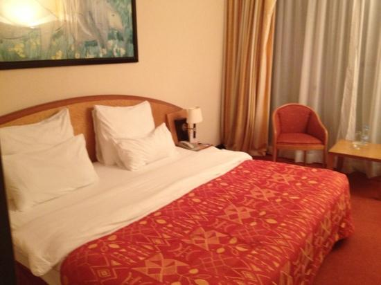 King Fahd Palace: cama doble