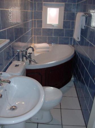 Aparthotel Blackpool: Studio Bathroom