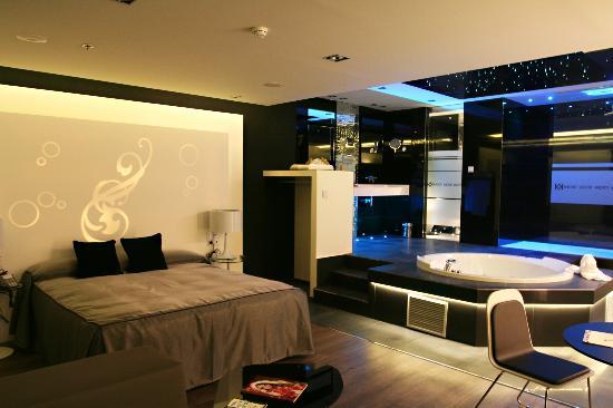 Kadrit hotel zaragoza cadrete opiniones comparaci n de for Precio habitacion hotel