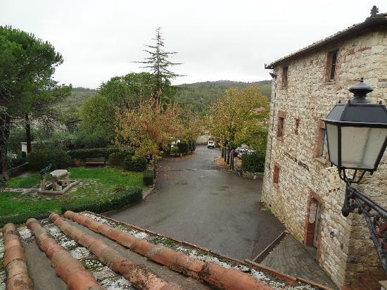 Castellare De' Noveschi: View of San Sano town
