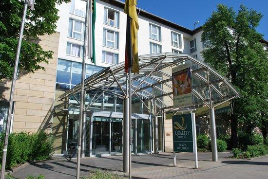 Quality Hotel Plaza Dresden: Eingangsbereich Hotel