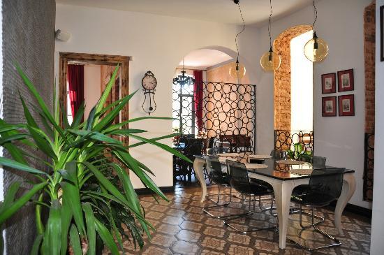 Nevsa Cafe & Restaurant : Dining room