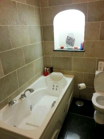Knock Castle Hotel & Spa: Ensuite