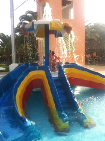 Holiday Village Manar: kids slides