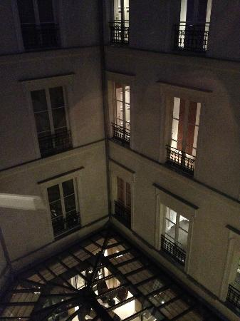 Hotel Le Burgundy: Внутренний двор
