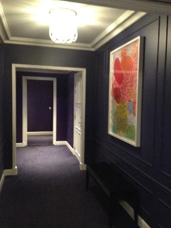Hotel Le Burgundy: Холл