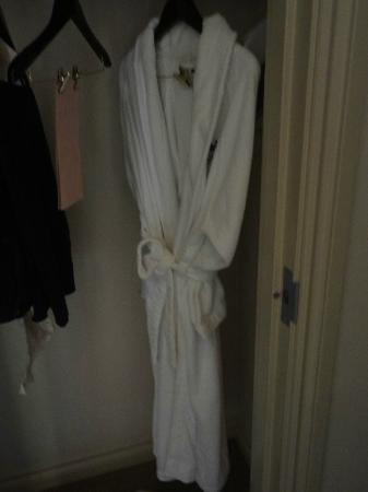 The Wyvern Hotel Punta Gorda: Wyvern bath robe