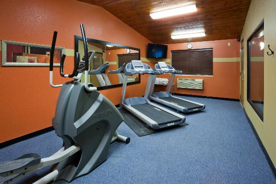 AmericInn Lodge & Suites Fergus Falls - Conference Center: Fitness Room