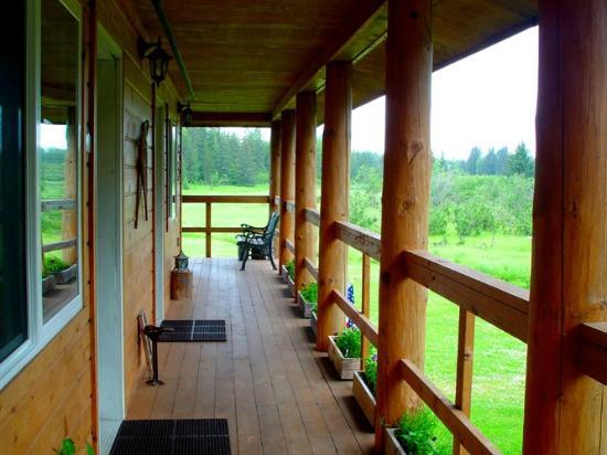 Annie Mae Lodge: Wrap Around Deck