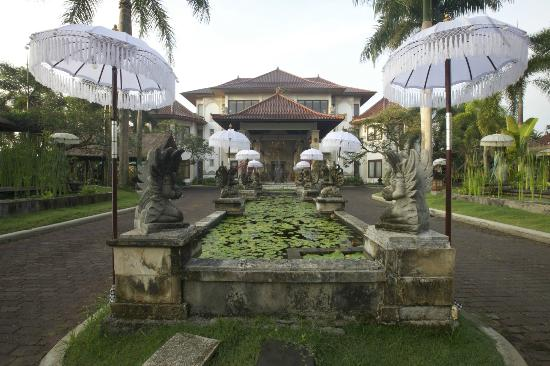 The Mansion Resort Hotel & Spa front