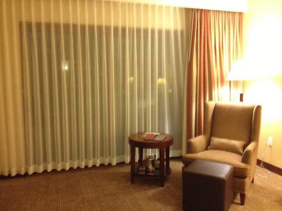 Sheraton Carlsbad Resort & Spa: large loung area