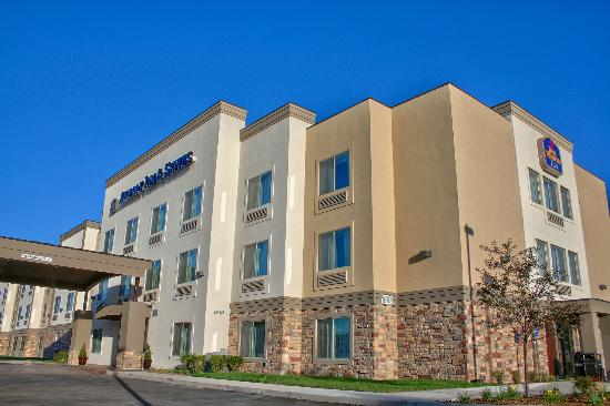 Best Western Plus Airport Inn & Suites: Exterior