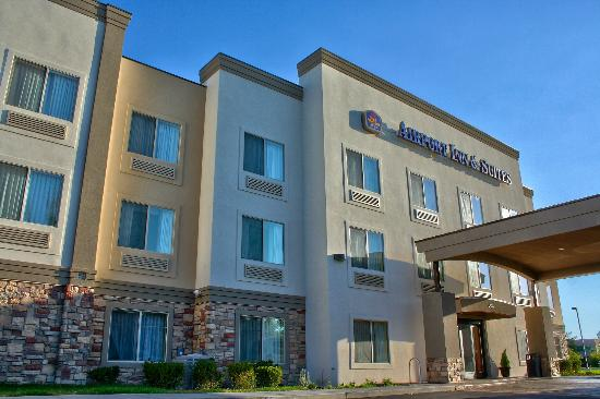 Best Western Plus Airport Inn Suites