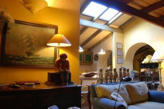 Casa Belaventura: saloon